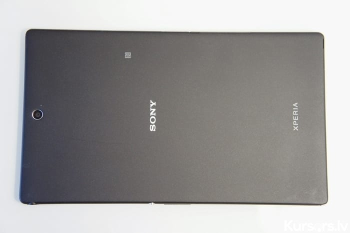 Xperia Z3 Tablet Comp 022